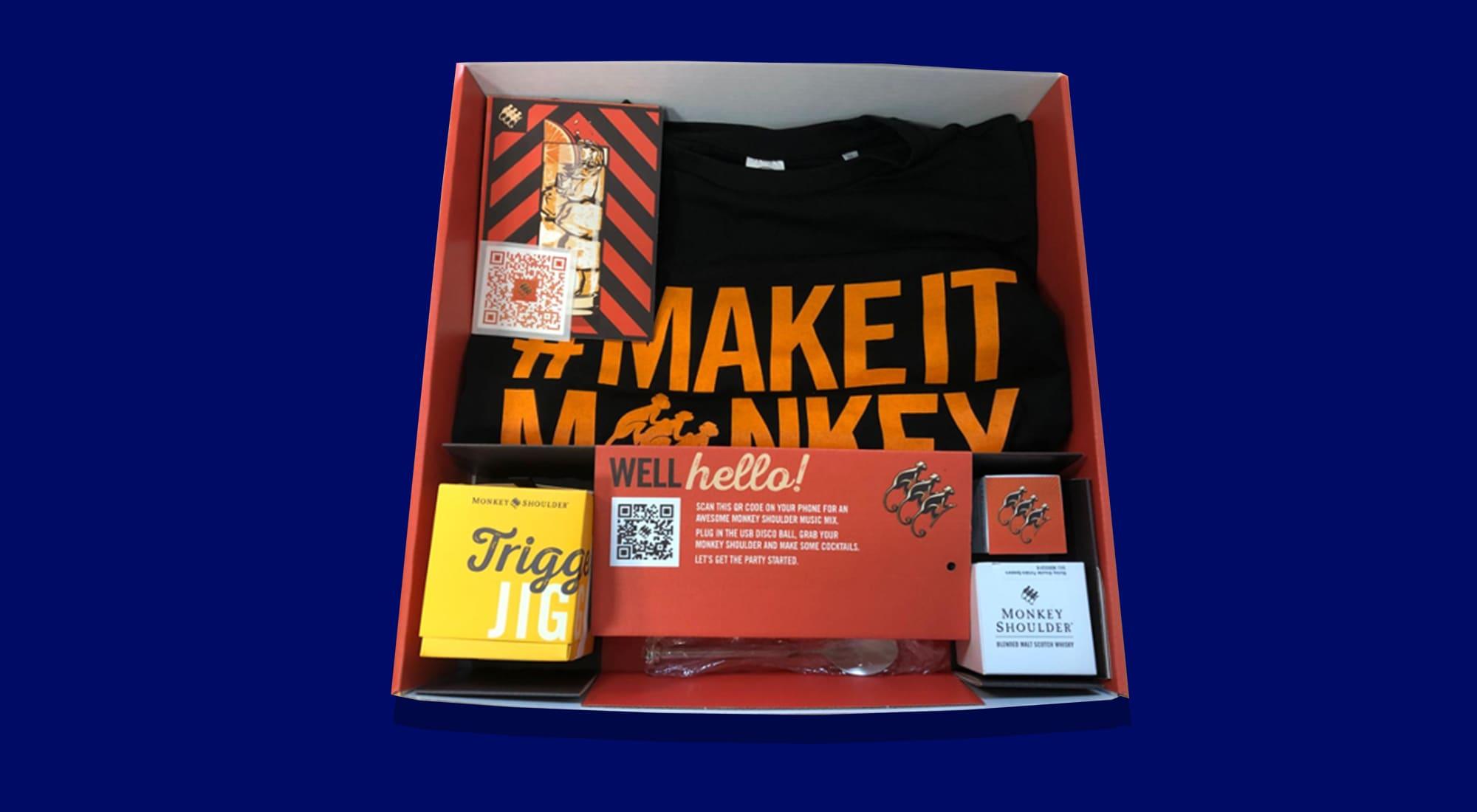 Monkey Shoulder live gift box contents